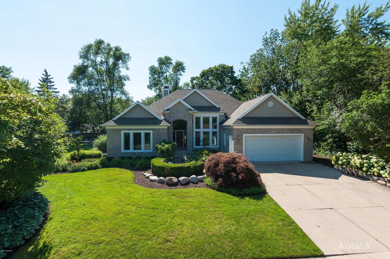 Single Family Home for Sale at 1141 Idema 1141 Idema East Grand Rapids, Michigan 49506 United States