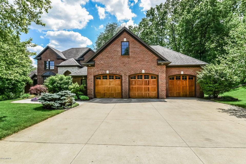 Single Family Home for Sale at 3415 Glenstone Grand Rapids, Michigan 49546 United States