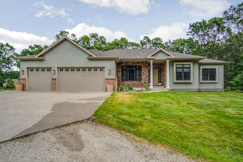 Single Family Home for Sale at 2812 Beattie 2812 Beattie Twin Lake, Michigan 49457 United States