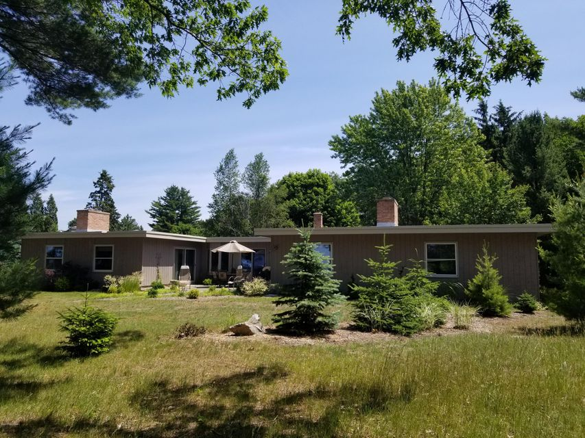 Single Family Home for Sale at 2696 Red Apple 2696 Red Apple Manistee, Michigan 49660 United States