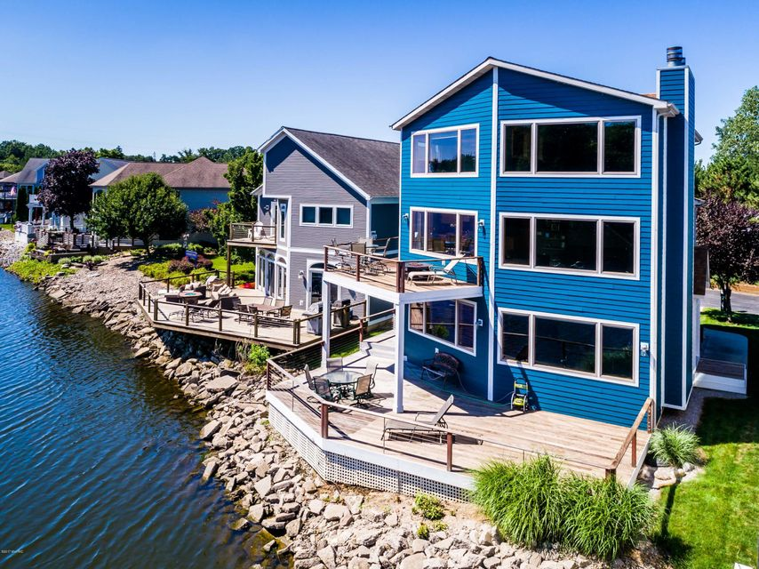 Single Family Home for Sale at 2287 Riverside Pointe 2287 Riverside Pointe St. Joseph, Michigan 49085 United States