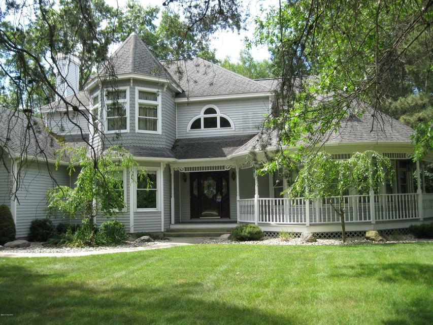 Single Family Home for Sale at 1835 Blossom 1835 Blossom Manistee, Michigan 49660 United States