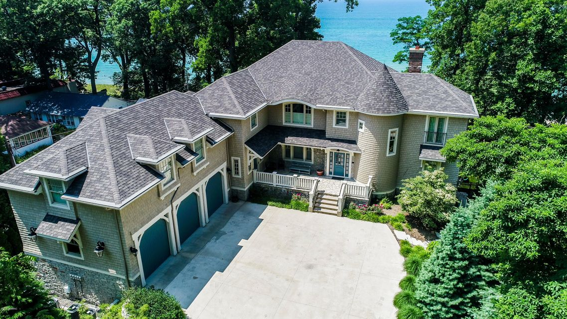 16096 Lake Avenue
