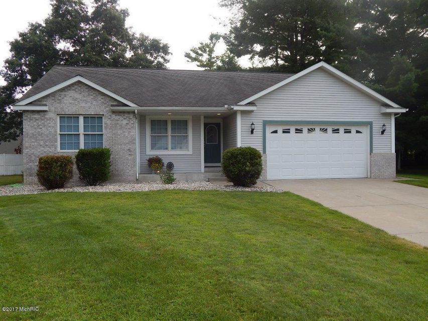 Single Family Home for Sale at 3689 Willow Creek Fruitport, Michigan 49415 United States