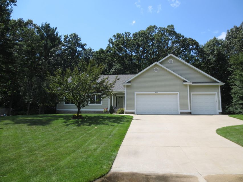 Single Family Home for Sale at 6707 East Point Fruitport, Michigan 49415 United States