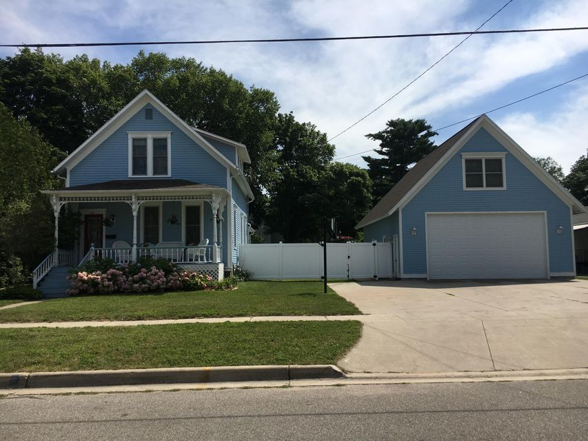 Single Family Home for Sale at 333 Fifth 333 Fifth Manistee, Michigan 49660 United States