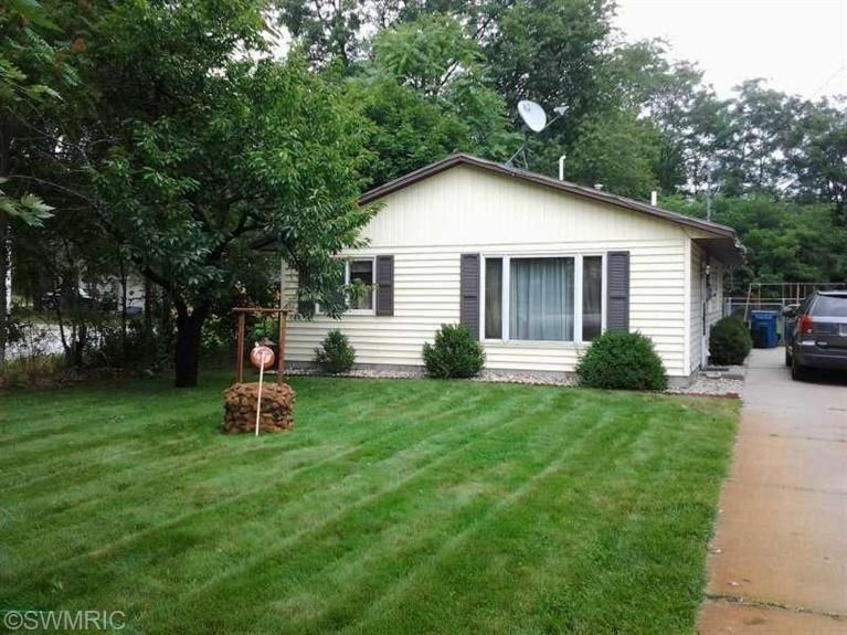 Single Family Home for Sale at 1830 Sheridan 1830 Sheridan Muskegon, Michigan 49442 United States