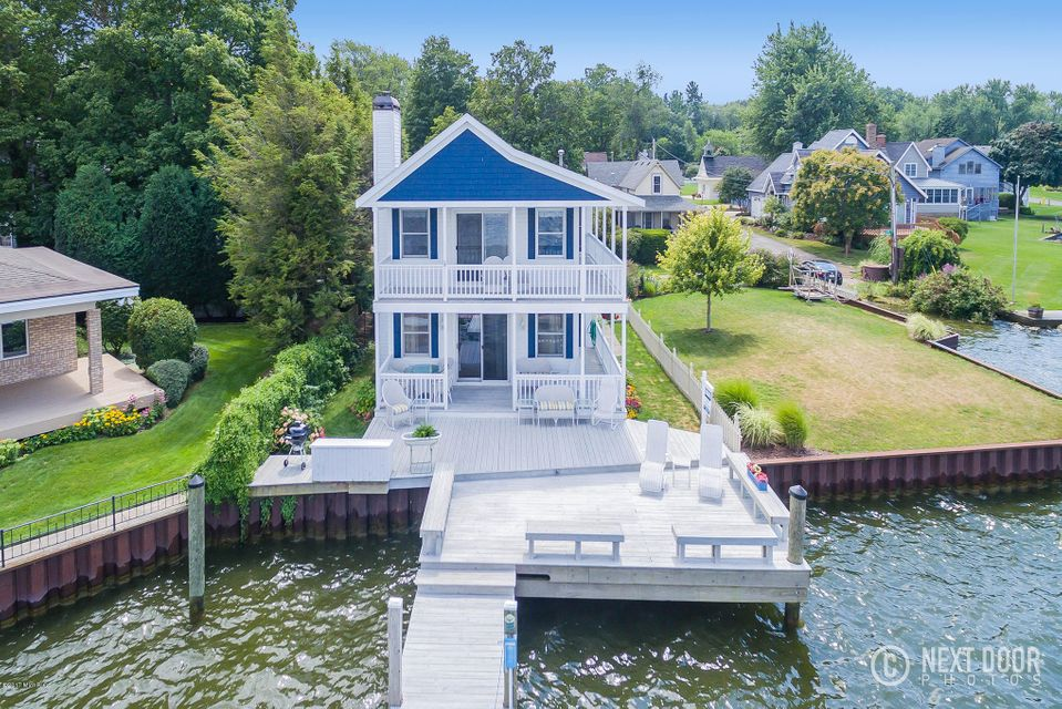 Single Family Home for Sale at 1209 Beach 1209 Beach Holland, Michigan 49423 United States