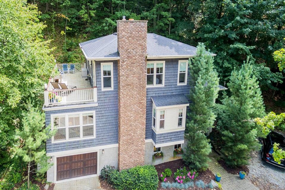 独户住宅 为 销售 在 2240 Maksaba 2240 Maksaba Macatawa, 密歇根州 49434 美国