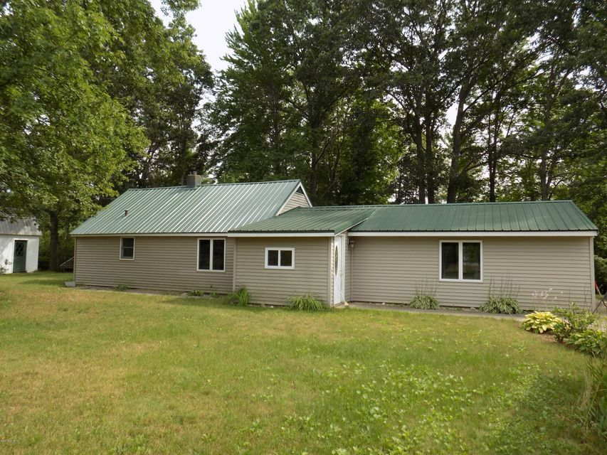 Single Family Home for Sale at 17345 Second 17345 Second Wellston, Michigan 49689 United States