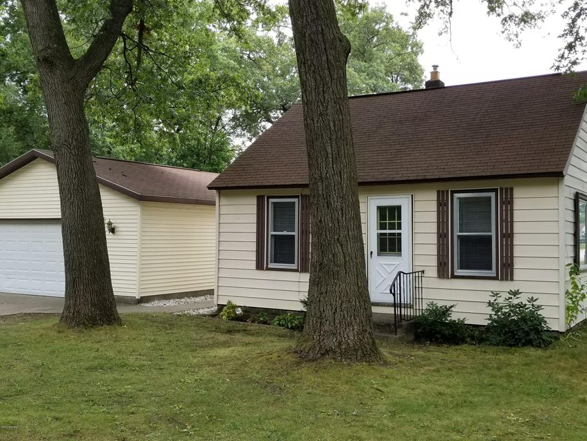 Single Family Home for Sale at 1901 Catherine Muskegon, Michigan 49442 United States