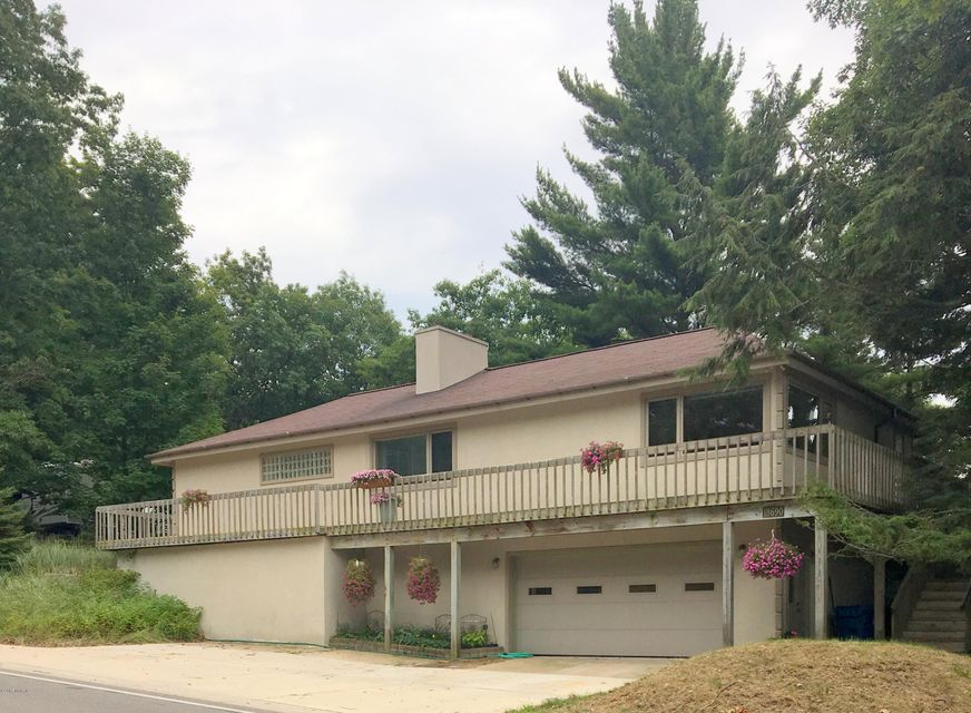 Single Family Home for Sale at 18690 Shore 18690 Shore Spring Lake, Michigan 49456 United States
