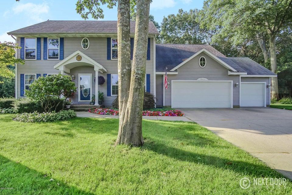 独户住宅 为 销售 在 15410 Stoneridge 15410 Stoneridge 斯普林莱克, 密歇根州 49456 美国