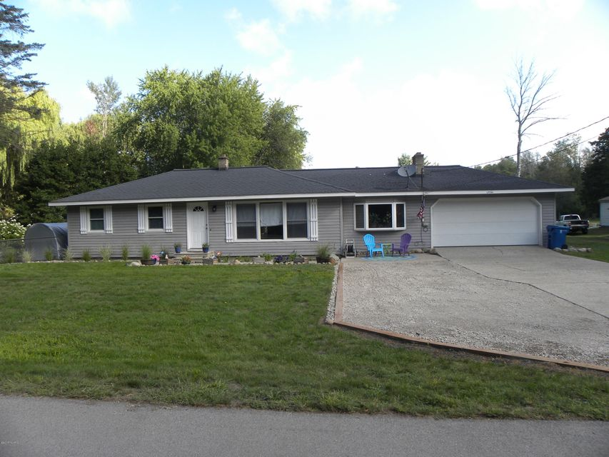 Single Family Home for Sale at 17541 Shore Spring Lake, Michigan 49456 United States