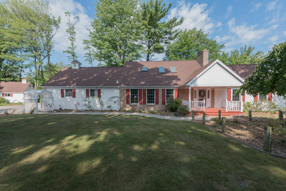 Single Family Home for Sale at 4330 Hackley Point 4330 Hackley Point Norton Shores, Michigan 49441 United States