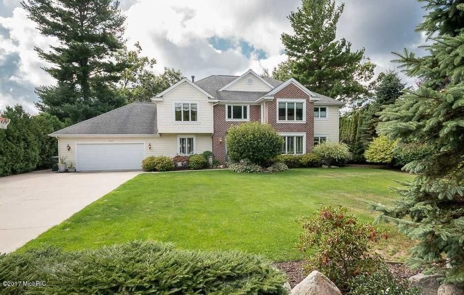 Single Family Home for Sale at 1695 Rood Point Norton Shores, Michigan 49441 United States