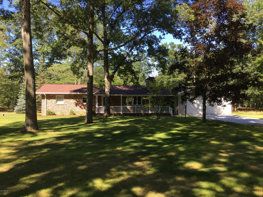 Single Family Home for Sale at 1700 Fox Farm 1700 Fox Farm Manistee, Michigan 49660 United States