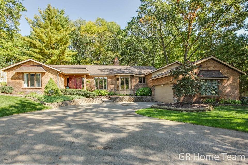 Single Family Home for Sale at 3740 Oak Tree 3740 Oak Tree Grand Rapids, Michigan 49546 United States