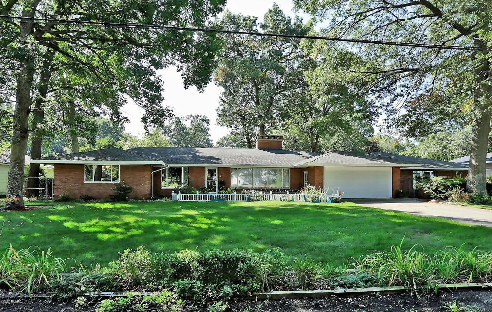 Single Family Home for Sale at 217 Lancaster 217 Lancaster North Muskegon, Michigan 49445 United States