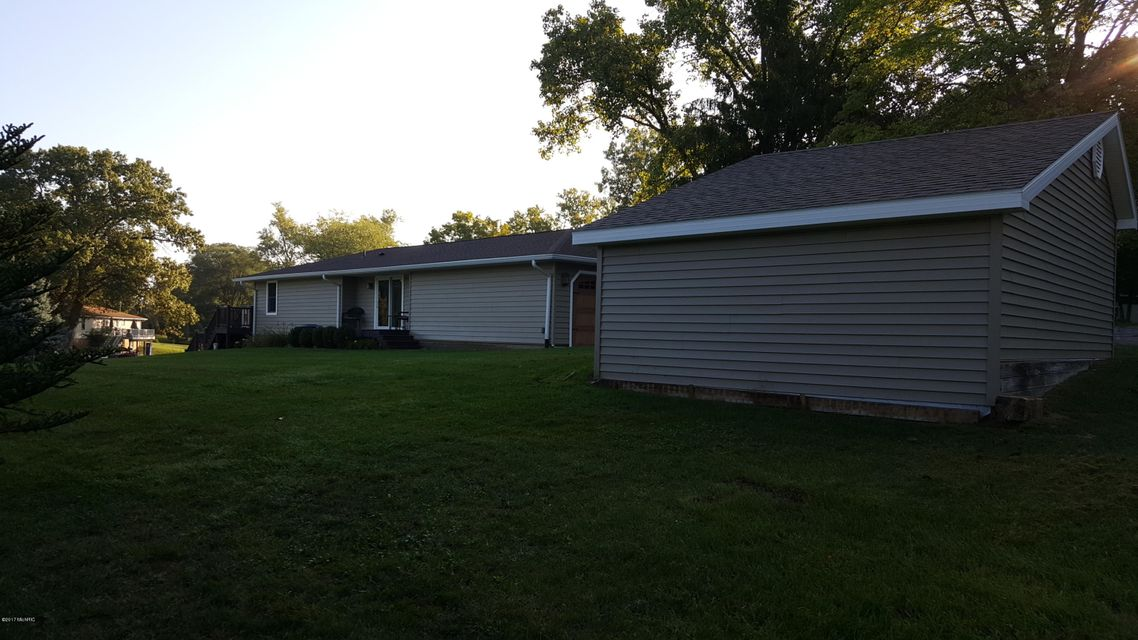 31934 W Lakeshore , Dowagiac, MI 49047 Photo 8