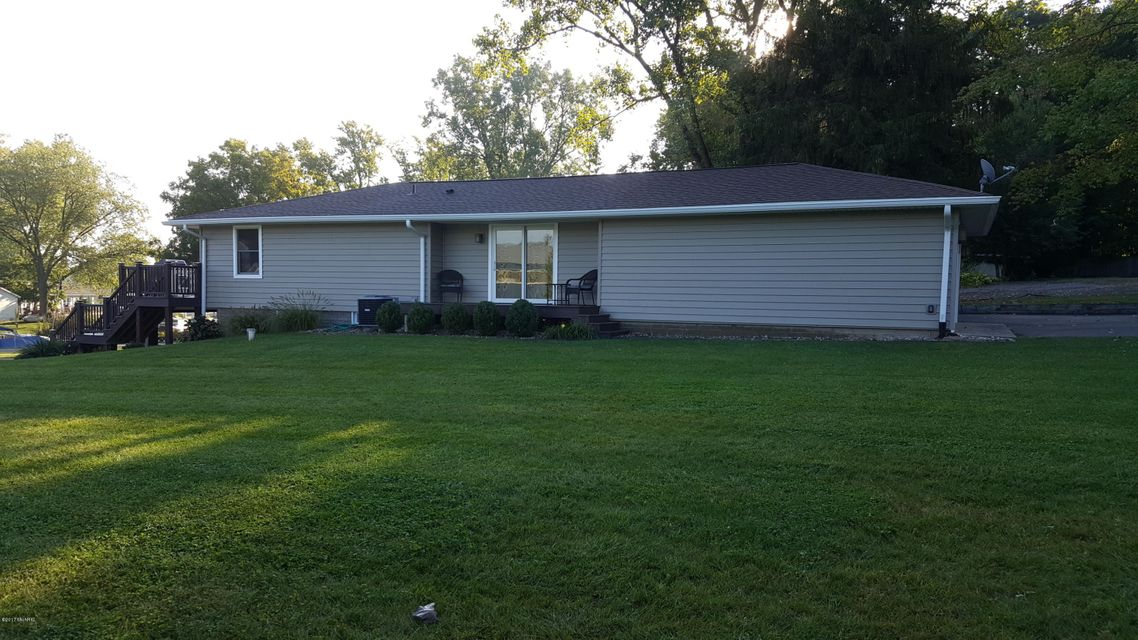 31934 W Lakeshore , Dowagiac, MI 49047 Photo 7