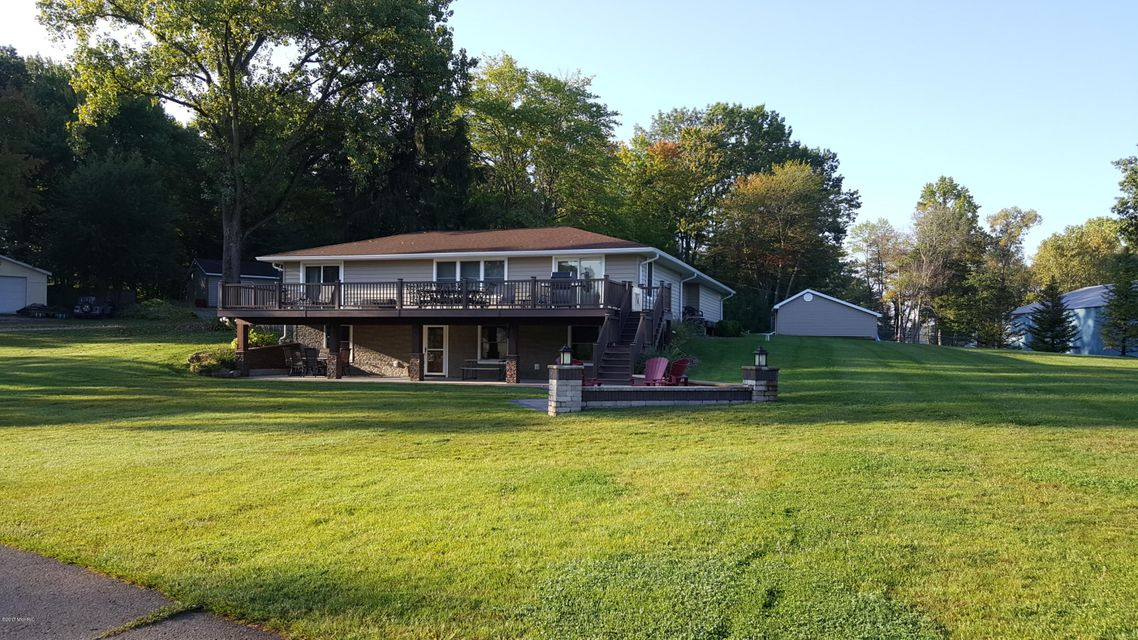 31934 W Lakeshore , Dowagiac, MI 49047 Photo 3
