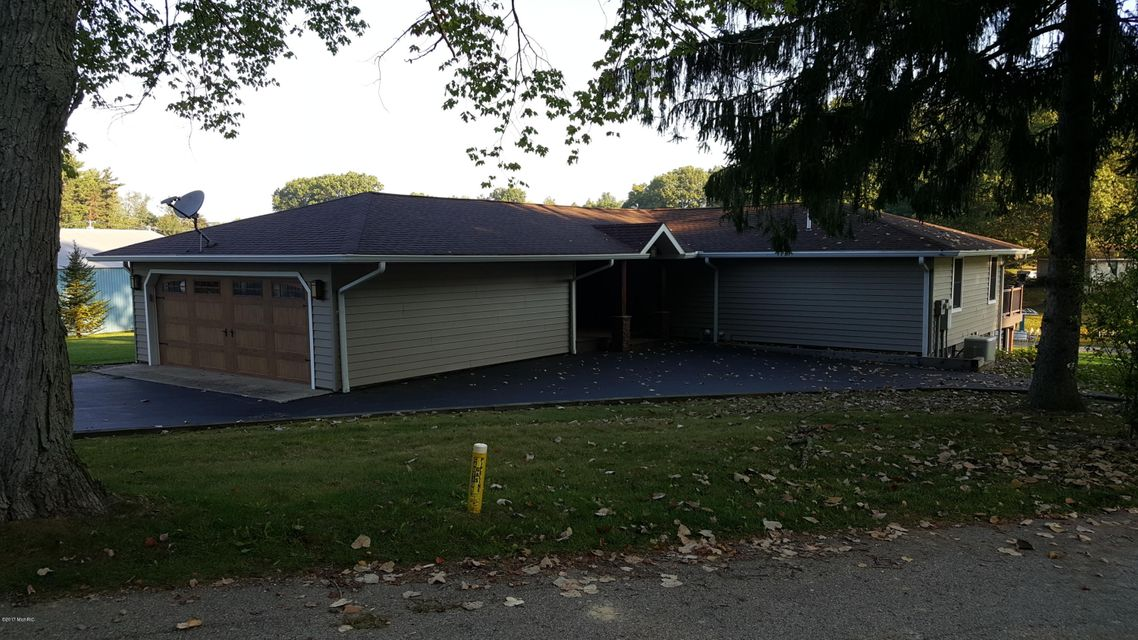 31934 W Lakeshore , Dowagiac, MI 49047 Photo 5