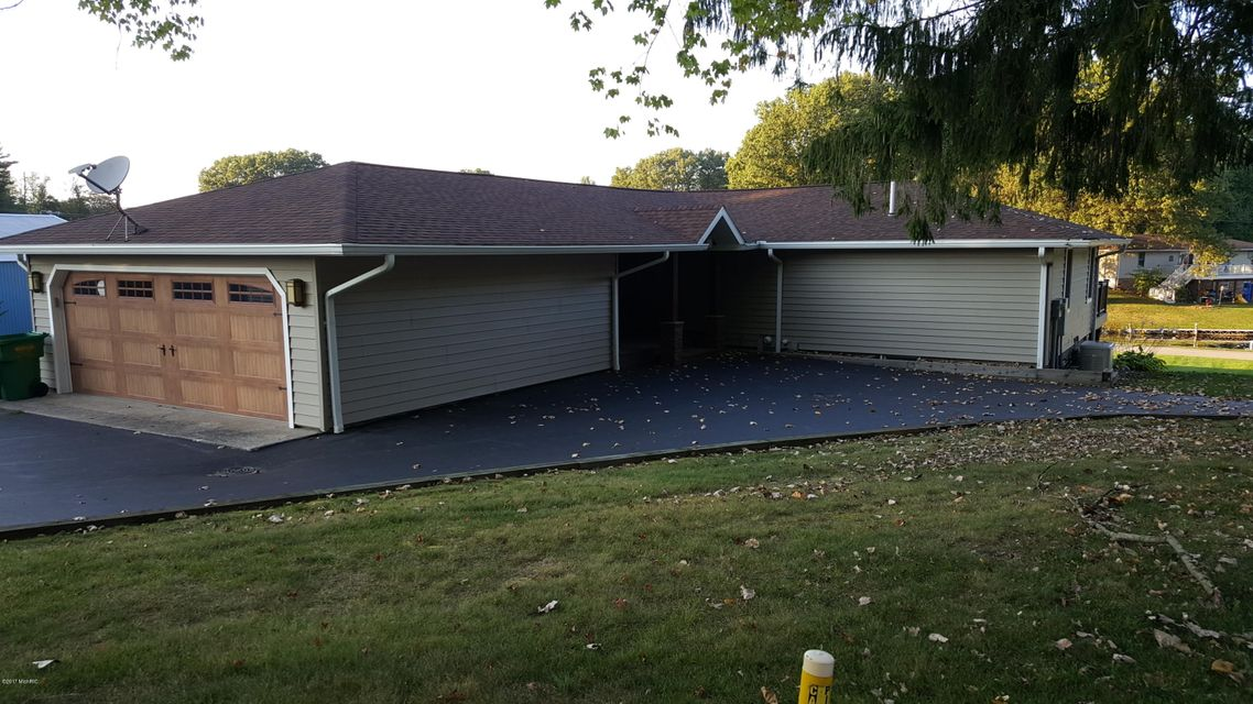 31934 W Lakeshore , Dowagiac, MI 49047 Photo 15
