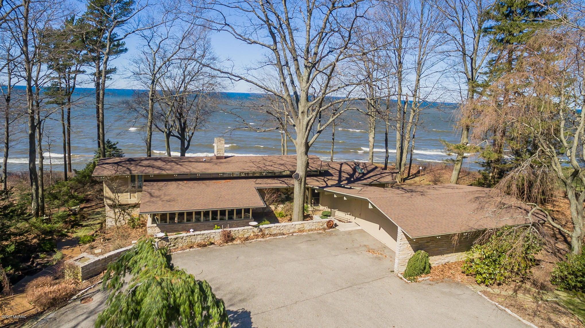 独户住宅 为 销售 在 9999 Lakeshore 9999 Lakeshore 西奥利弗, 密歇根州 49460 美国