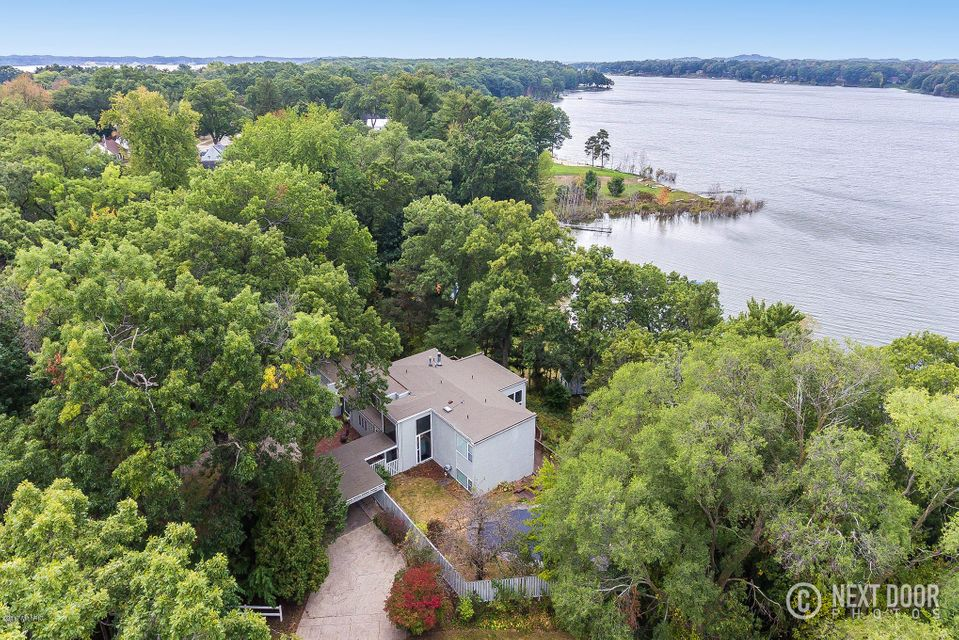 Single Family Home for Sale at 609 Vanderwerp 609 Vanderwerp North Muskegon, Michigan 49445 United States