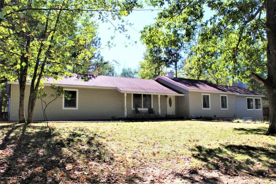 Single Family Home for Sale at 9673 Kings Point 9673 Kings Point Irons, Michigan 49644 United States