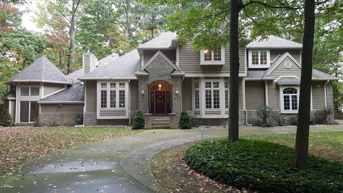 Single Family Home for Sale at 3713 Norton Hills 3713 Norton Hills Norton Shores, Michigan 49441 United States