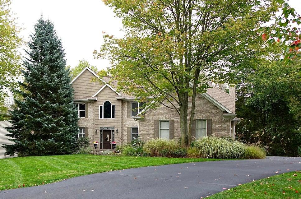 Single Family Home for Sale at 2044 Cascade Farms 2044 Cascade Farms Grand Rapids, Michigan 49546 United States