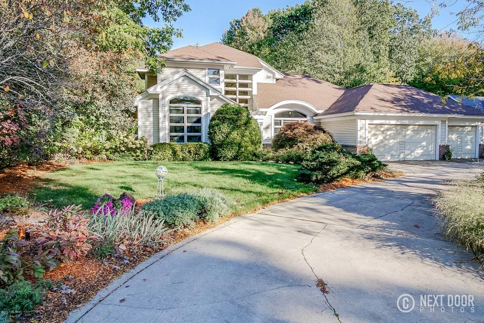 Single Family Home for Sale at 18029 Wildwood Springs 18029 Wildwood Springs Spring Lake, Michigan 49456 United States