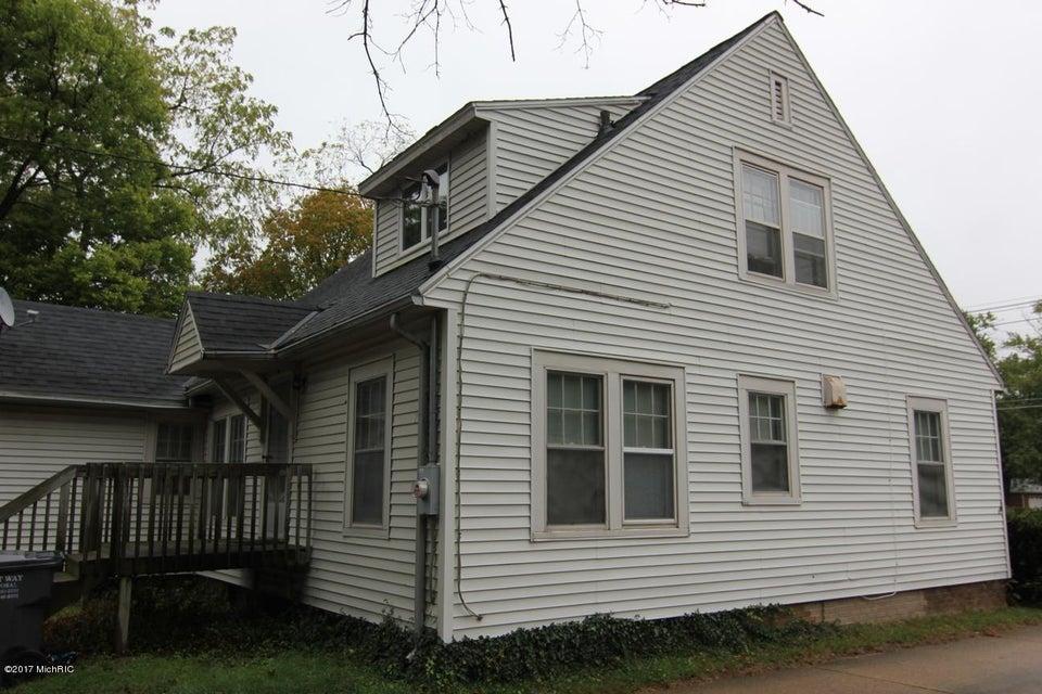 393 W Napier Avenue, Benton Harbor, MI 49022