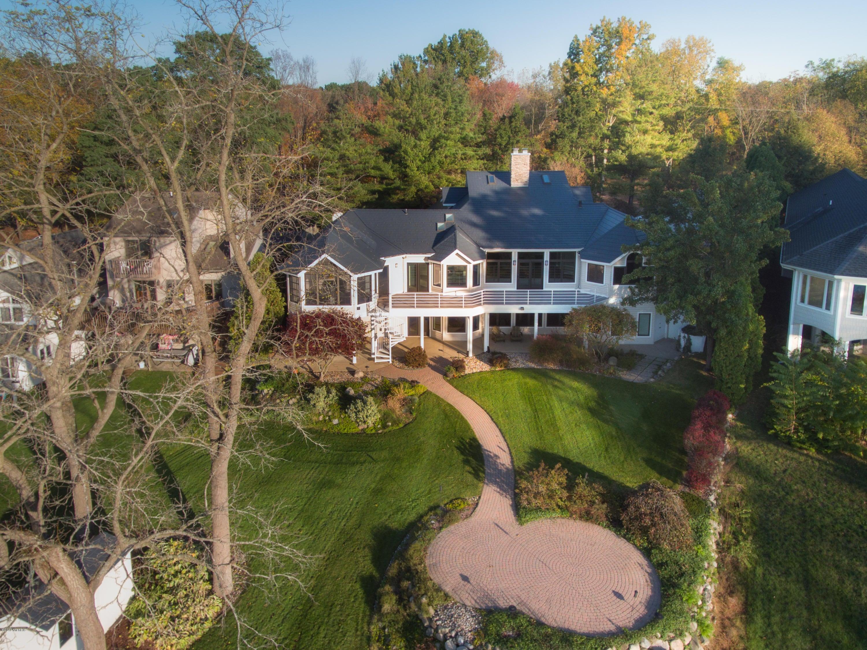 Casa Unifamiliar por un Venta en 15519 M-43 15519 M-43 Hickory Corners, Michigan 49060 Estados Unidos