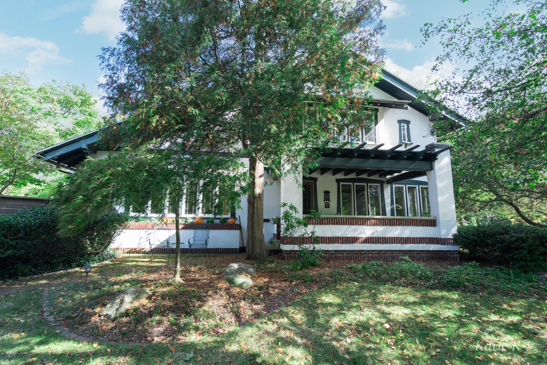 Single Family Home for Sale at 552 Cambridge Blvd SE 552 Cambridge Blvd SE East Grand Rapids, Michigan 49506 United States