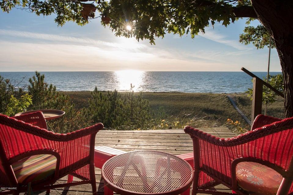 独户住宅 为 销售 在 17440 Montello 17440 Montello 西奥利弗, 密歇根州 49460 美国