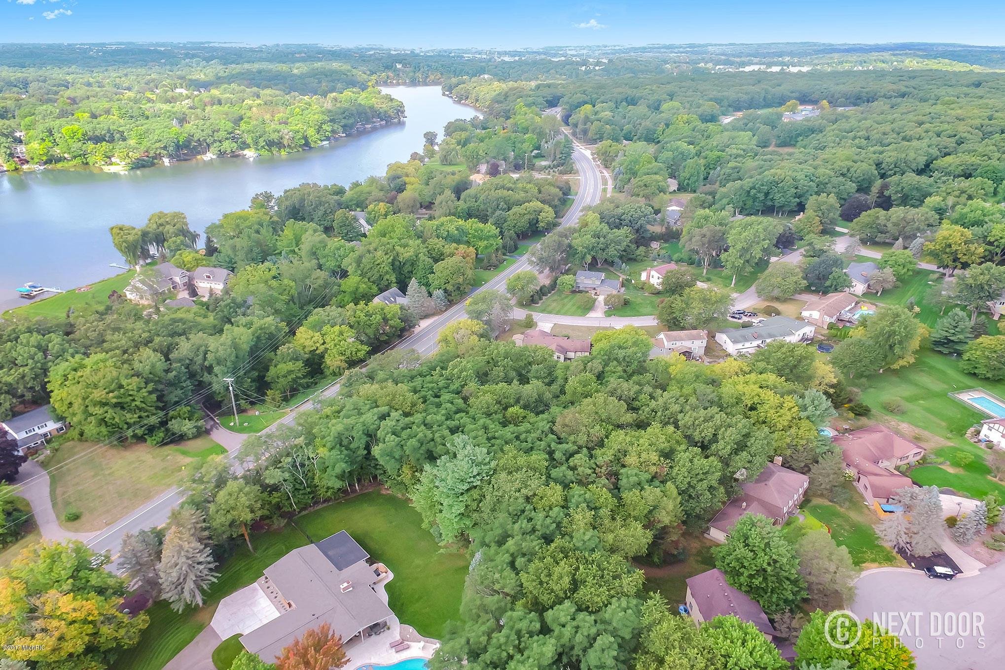 土地,用地 为 销售 在 7455 Cascade 7455 Cascade Grand Rapids, 密歇根州 49546 美国