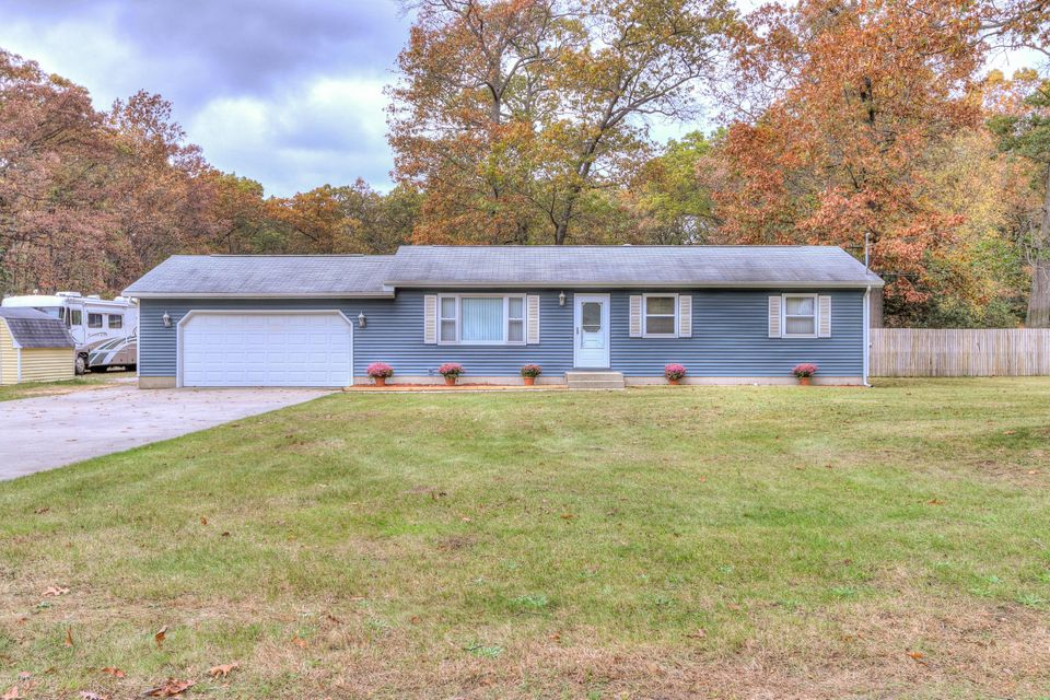 Single Family Home for Sale at 970 Bob 970 Bob Muskegon, Michigan 49445 United States