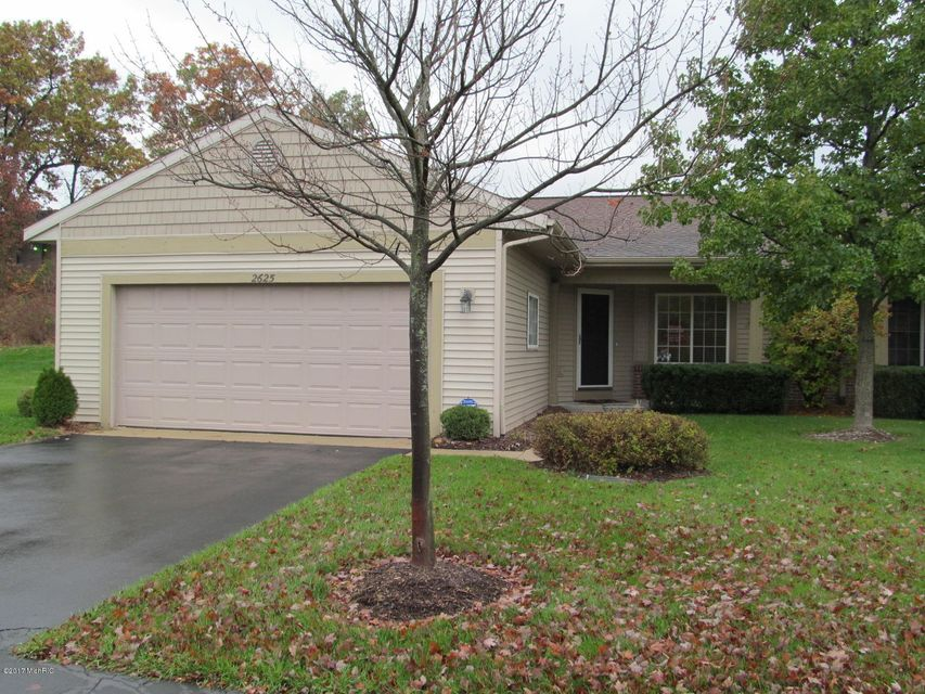 Single Family Home for Sale at 2625 Cascade Place 2625 Cascade Place Grand Rapids, Michigan 49546 United States