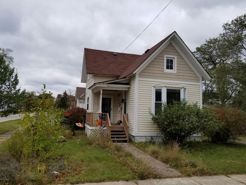 Single Family Home for Sale at 166 Ford 166 Ford Manistee, Michigan 49660 United States
