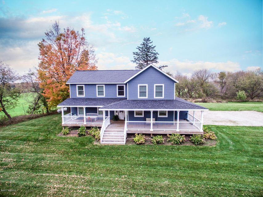 Single Family Home for Sale at 14195 Cascade 14195 Cascade Lowell, Michigan 49331 United States