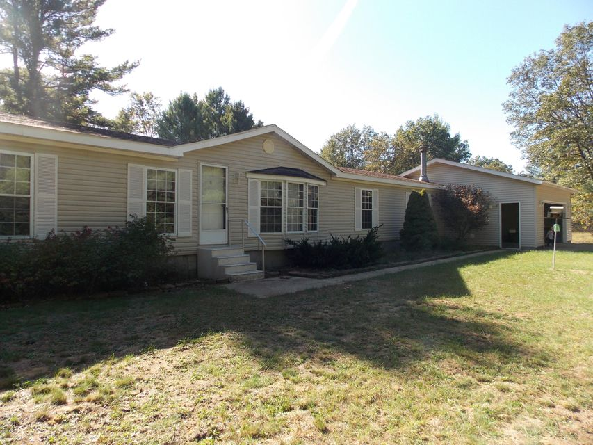 Single Family Home for Sale at 2947 Brunswick 2947 Brunswick Holton, Michigan 49425 United States
