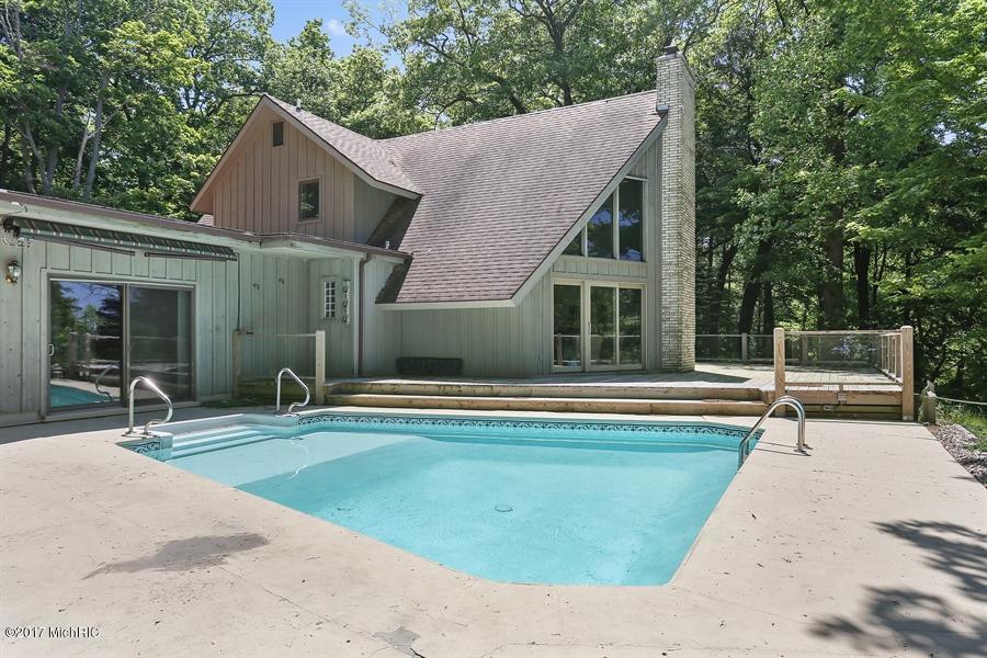 Single Family Home for Sale at 7461 Columbine 7461 Columbine Harbert, Michigan 49115 United States