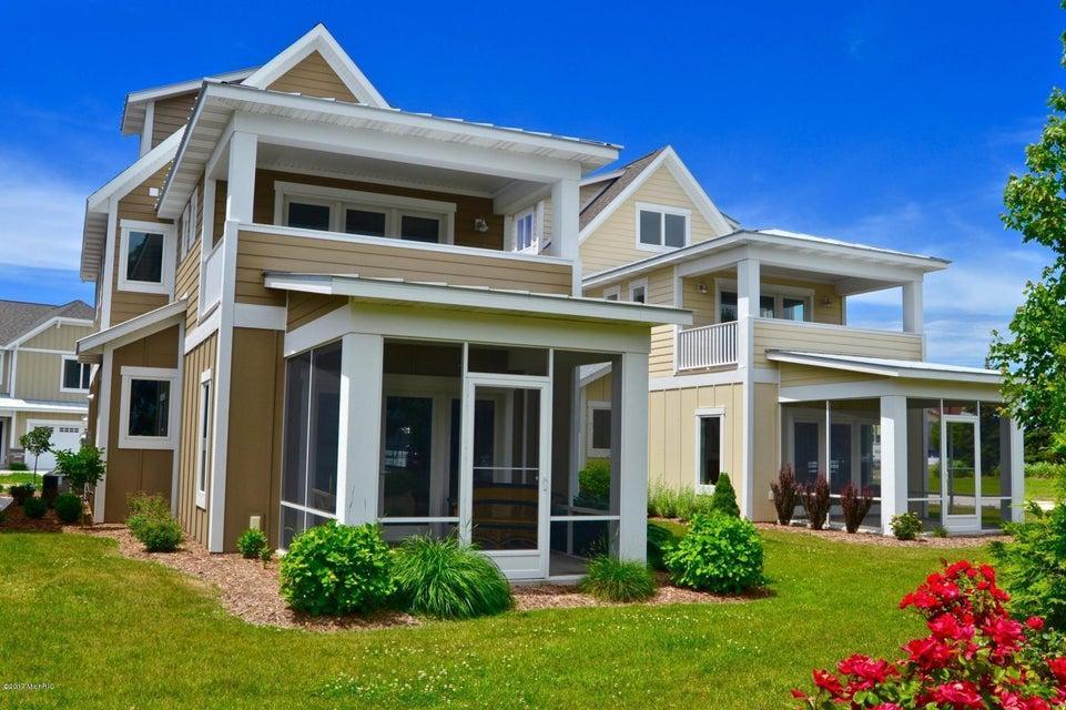 独户住宅 为 销售 在 920 SAVIDGE 920 SAVIDGE 斯普林莱克, 密歇根州 49456 美国