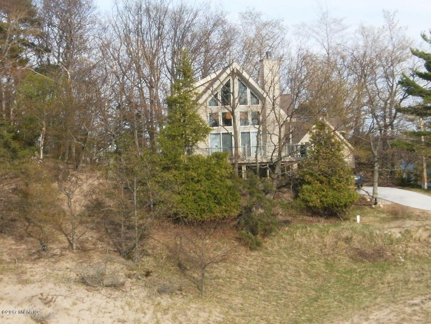 Single Family Home for Sale at 2036 Second Street 2036 Second Street Onekama, Michigan 49675 United States