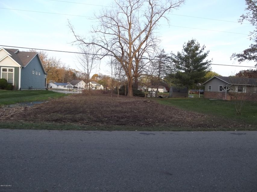 Tulip Tree Lane