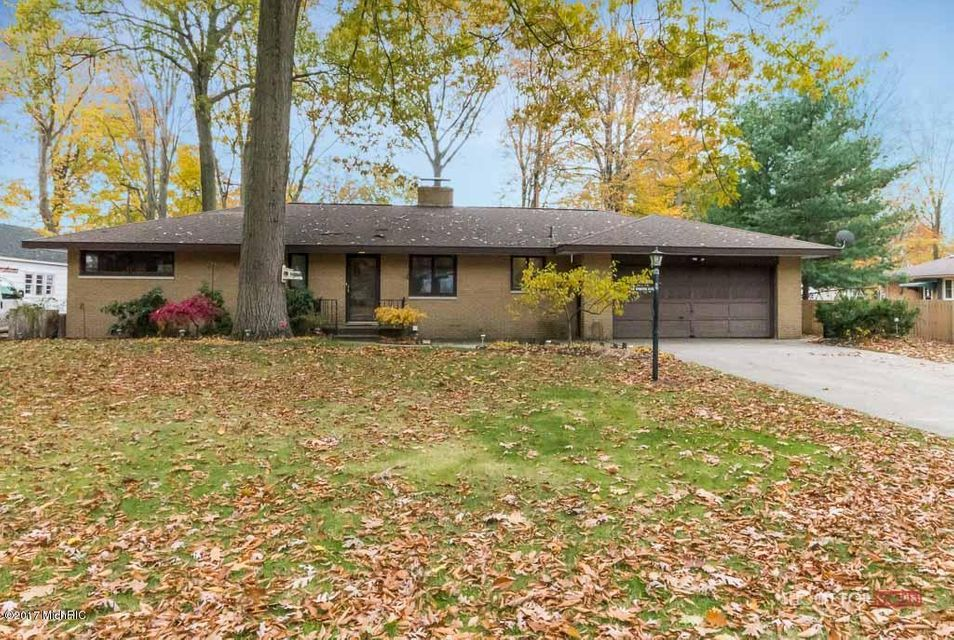 Single Family Home for Sale at 631 Wendover 631 Wendover Norton Shores, Michigan 49441 United States