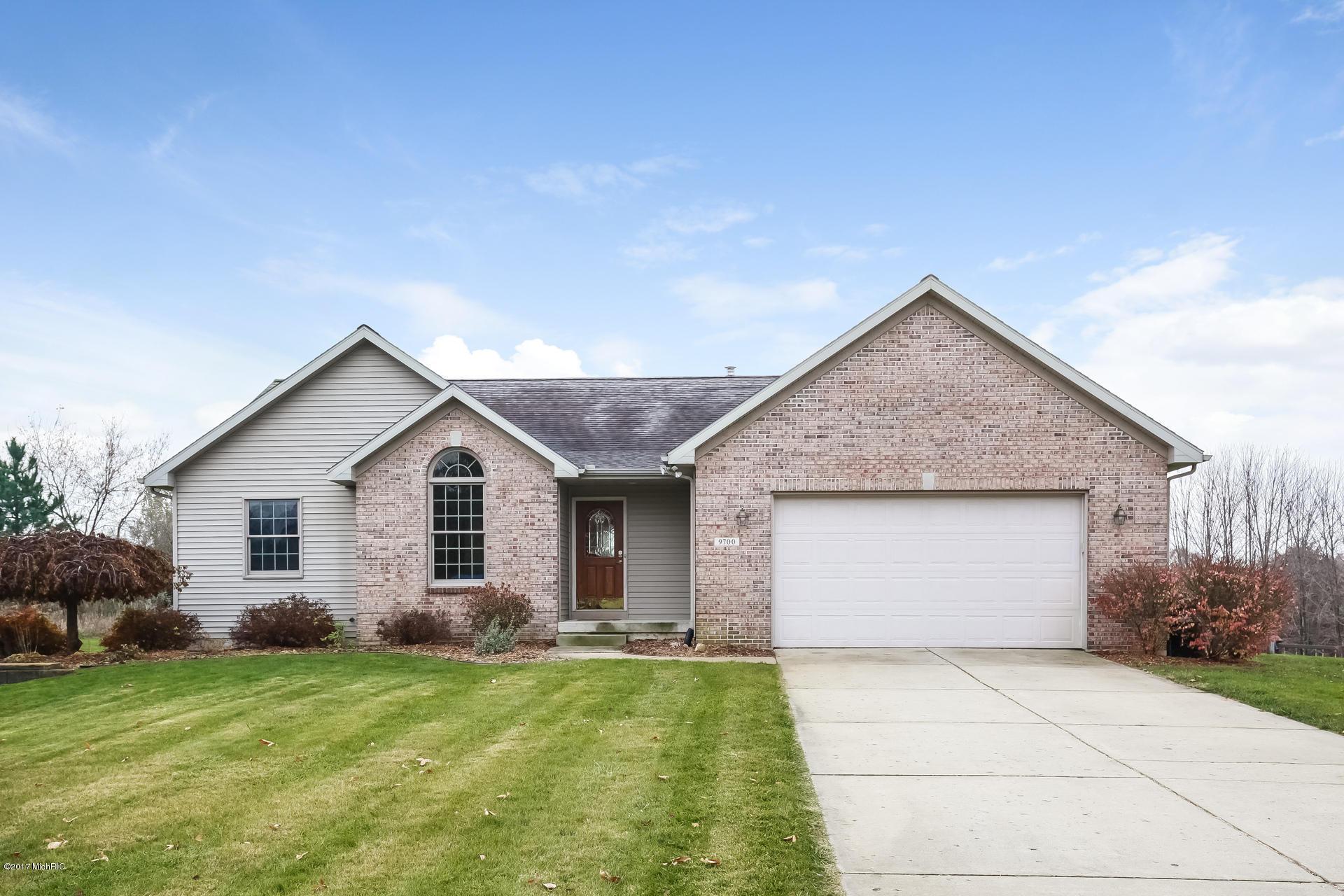 Single Family Home for Sale at 9700 Snow Ridge 9700 Snow Ridge Alto, Michigan 49302 United States
